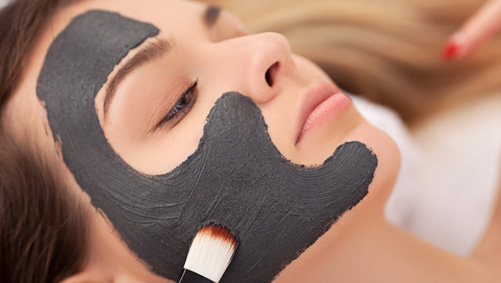 Oil absorber in facial masks